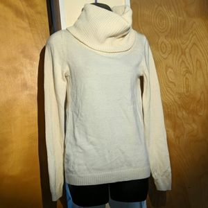 Gap cream sweater size small never worn